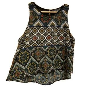 ASTR The Label Sleeveless Printed Cropped blouse